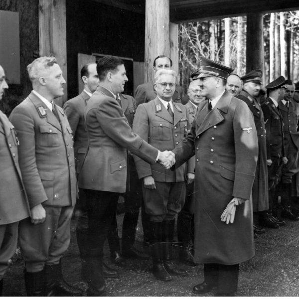 Gierłoż. Gauleiterzy w kwaterze głównej Adolfa Hitlera 1943