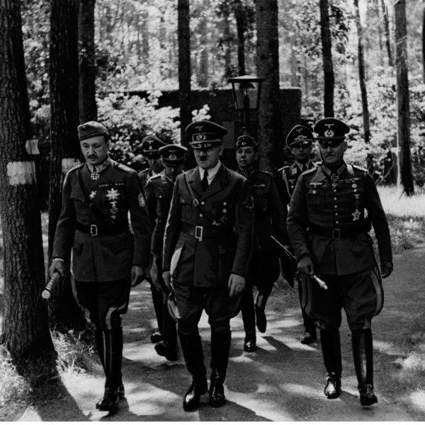Wizyta marszałka Finlandii Carla Mannerheima w kwaterze głównej u Adolfa Hitlera 1942