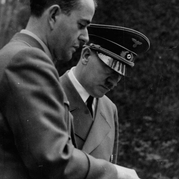 Albert Speer i Adolf Hitler - Wilczy Szaniec - Maj 1943