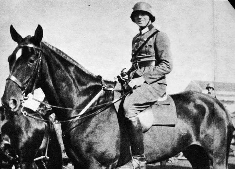 Claus von Stauffenberg podczas służby w 17. pułku kawalerii w Bambergu 1926 r