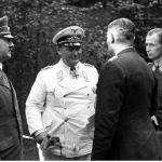 Goering i Hitler rozmawiają w Gierlozy