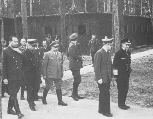 Hitler i Doenitz - Wolfs Lair