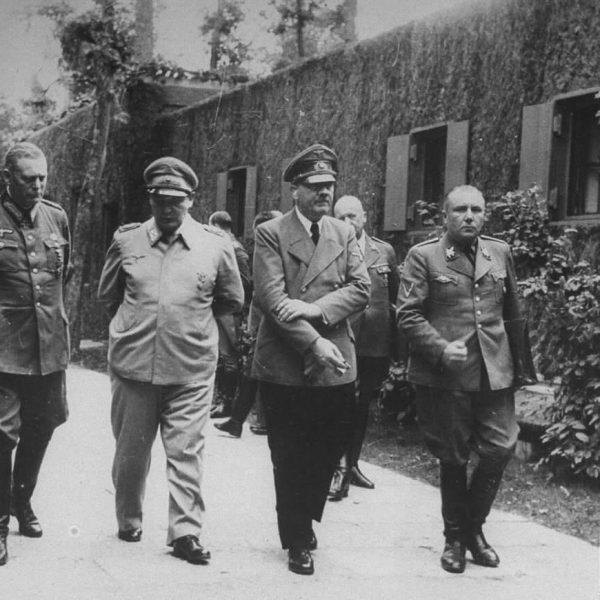 Hitler, Goering, Bormann in Wolfsschanze