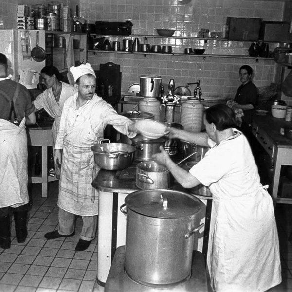 Kuchnia w Wilczym Szańcu - Otto Günter